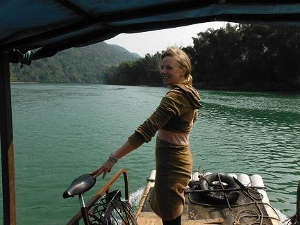 Bamboe bootje over de Li