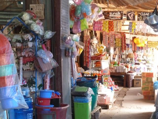 Kleurrijke markt onderweg